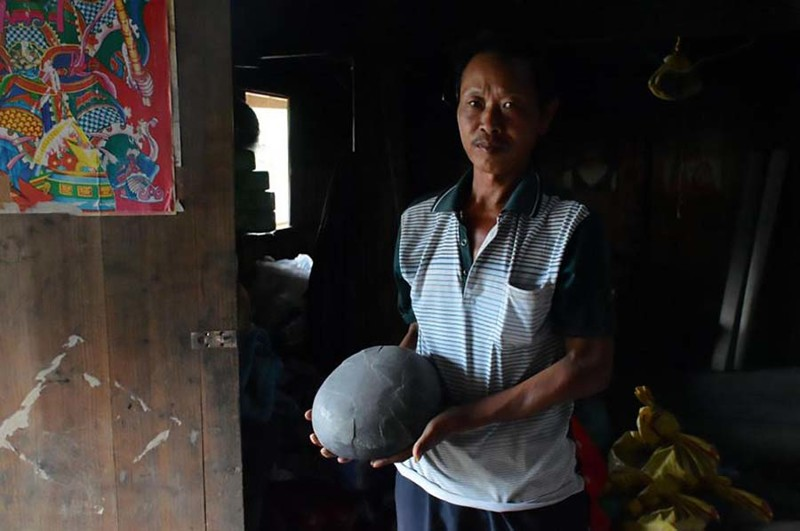 Утес в Китае каждые 30 лет «несет» каменные яйца