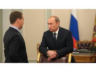 Почему Медведев останется главой правительства