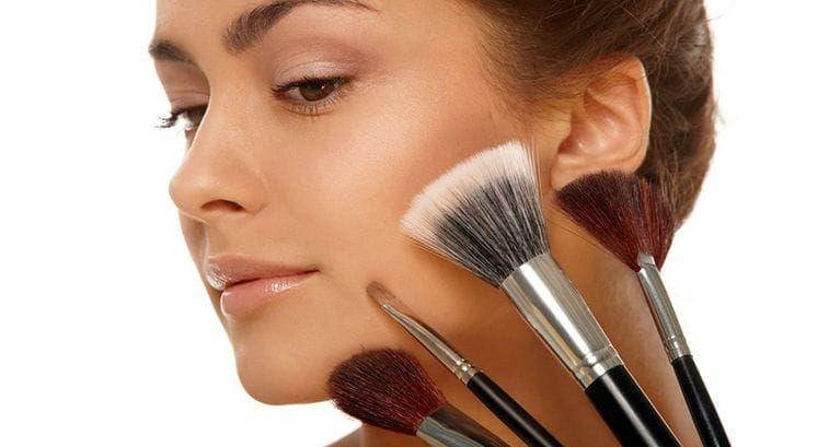 Как при помощи макияжа скрыть мешки под глазами