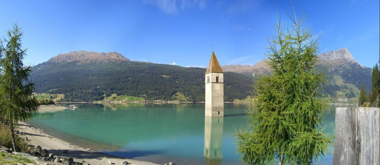 затопленная церковь на озере Решен