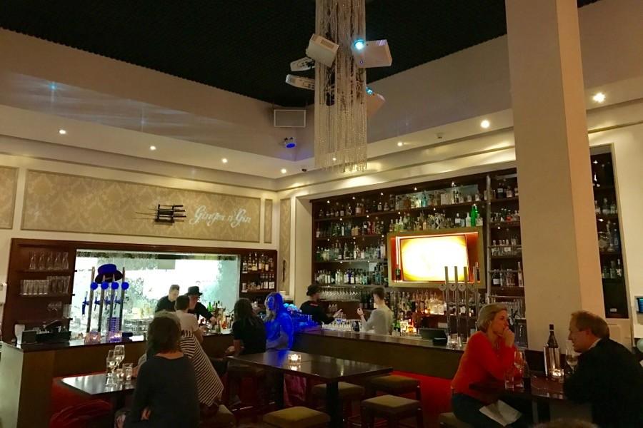 Как легко узнать русских в любом европейском ресторане