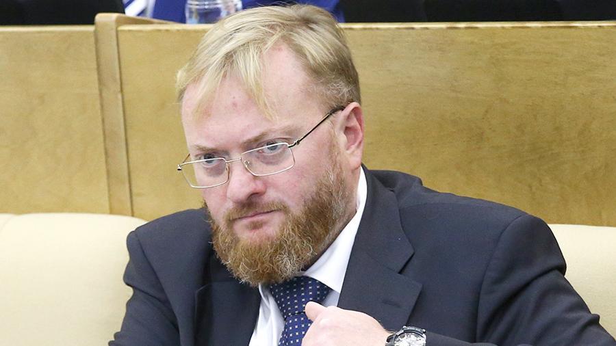 «Предложение хорошее, но пусть начнут с себя» — Милонов прокомментировал идею о снижении депутатских зарплат
