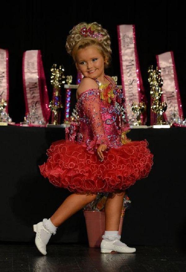 Вы помните малышку Хани Бубу? Взгляните, каким посмешищем она стала для своей страны заморские звезды