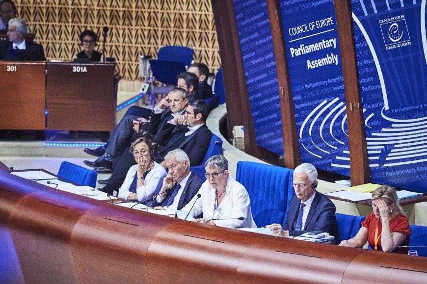 Украина отзывает посла при С…