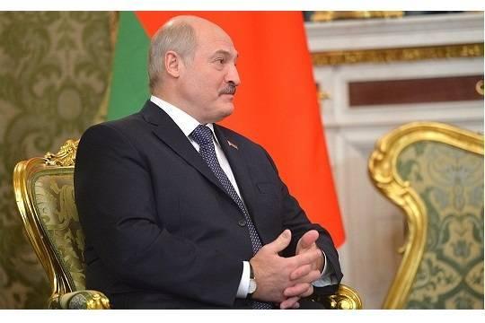 Лукашенко назвал Октябрьскую революцию праздником мира