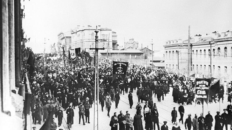 В России предложили ввести наказание за отрицание Октябрьской революции