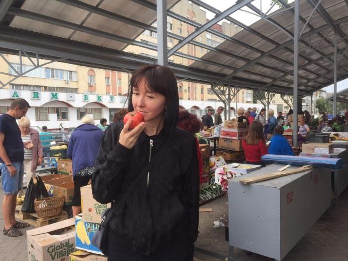 Хорошие помидоры имеют ярко выраженный запах.