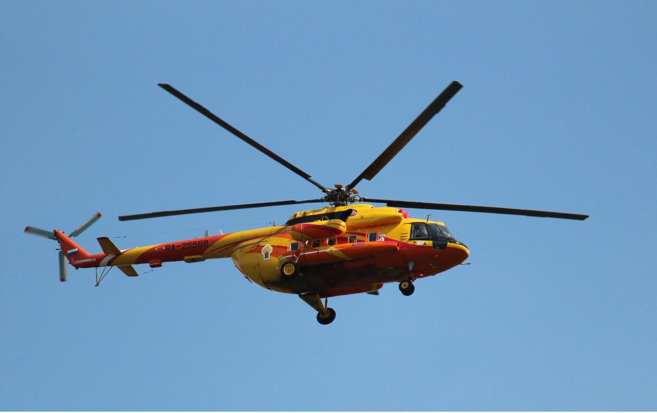 «Роснефть» получит два вертолета Ми-8 с новым пилотажным комплексом