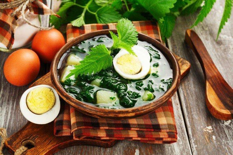 12 легких супов из крапивы для этого лета