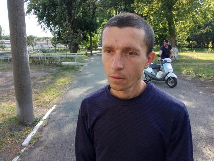 ЧП на Украине: Лебедь напал на мужчину, мывшегося в пруде из-за отключенной горячей воды