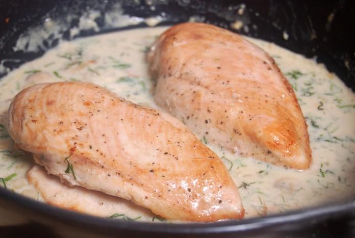 Куриное филе, запеченное в молоке на ужин