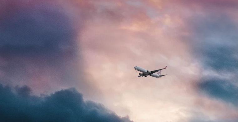 Названо время суток, когда самолеты наиболее пунктуальны
