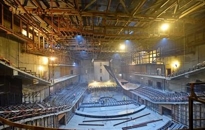 """В парке """"Зарядье"""" строят уникальный концертный зал"""