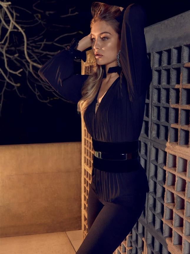 Джиджи Хадид на обложке Vogue Бразилия, июль 2015