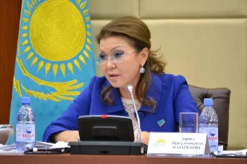 Дочь Назарбаева назвала дете…