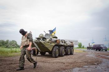 Донецкий губернатор пожаловался на мешающую «зачистить» ополченцев Россию