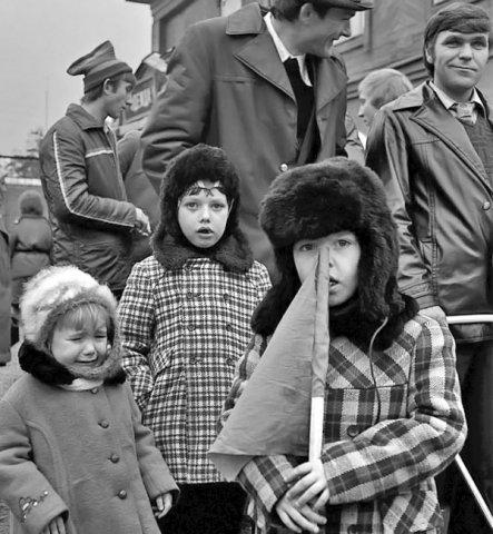 Дико надоела  истеричная ностальгия по СССР, а особенно по «нашему счастливому детству»