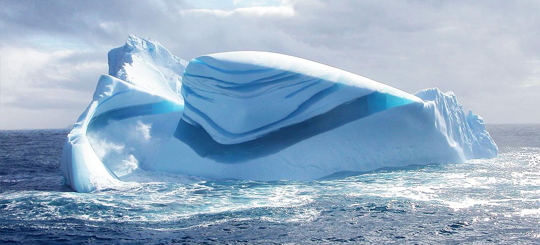 Фото Полосатый айсберг. Ледяные чудеса природы. Фото с сайта NewPix.ru