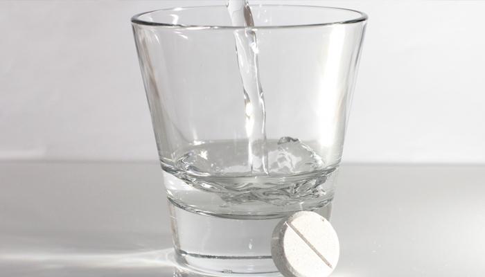 Целебный раствор аспирина (шпоры, варикоз, остеохондроз)