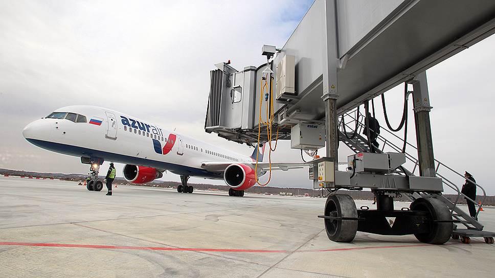 Росавиация отменяет 10% вылетов Azur Air и NordWind