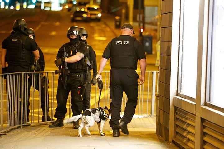 В Англии шесть пешеходов пострадали при наезде автомобиля