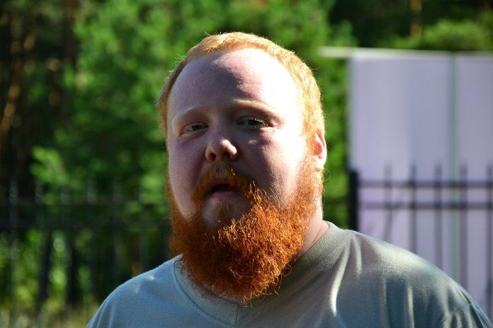 Александр Семчев увел невест…
