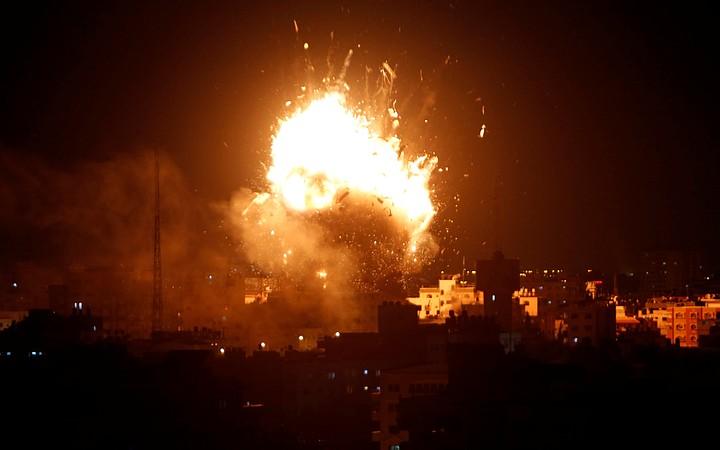 Из сектора Газа по Израилю выпущено более 300 ракет