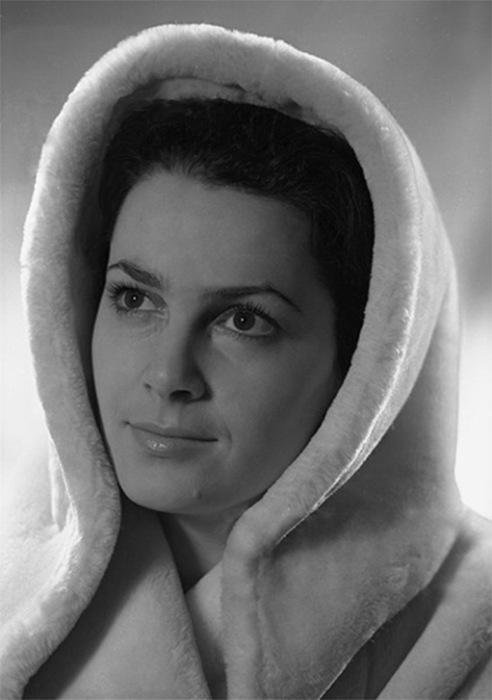 Замечательная актриса любима многими российскими зрителями. | Фото: kino24.su.