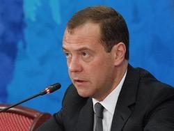 Медведев увидел много дешевых и качественных отечественных продуктов