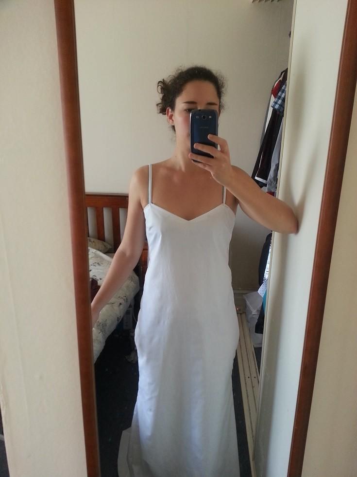 Подкладку сшила из самой дешевой хлопчатобумажной ткани платье, своими руками, создание