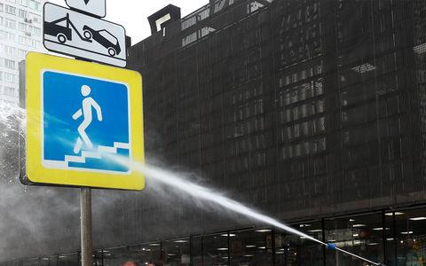 «Руки в ноги» и почистить дорожные знаки! Мэр Ярославля дал наставление подчиненным
