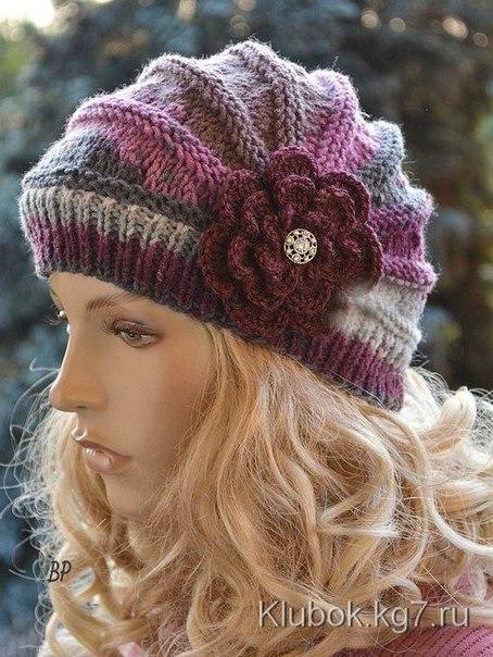 Оригинальная и очень красивая шапочка спицами (укороченные ряды)