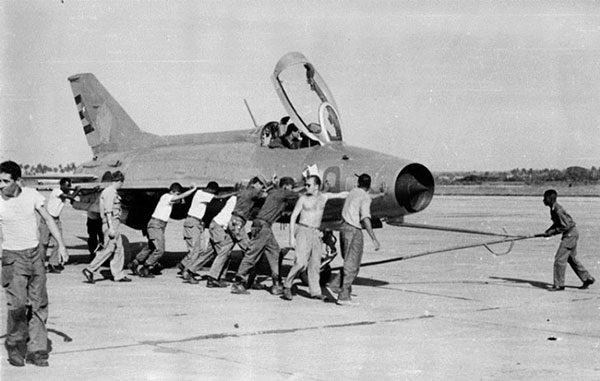 Как советские лётчики американцев проучили