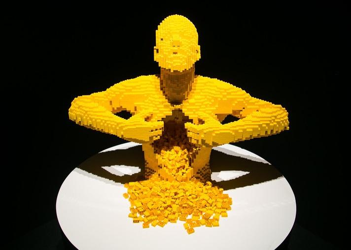 В Москве открылась всемирно известная выставка «Искусство LEGO»