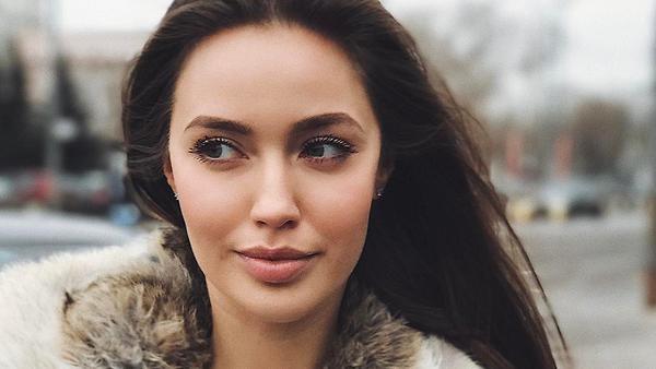 Беременная Анастасия Костенк…