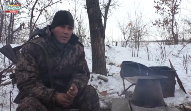 Ополченец Донбасса рассказал про «черные флаги» наемников на позициях ВСУ