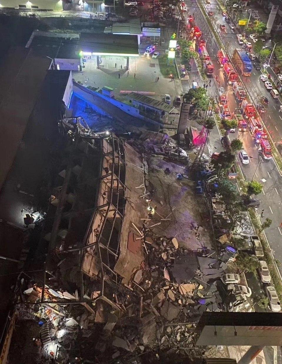 Обрушение отеля: Китайцы строят дома за шесть дней (фото)