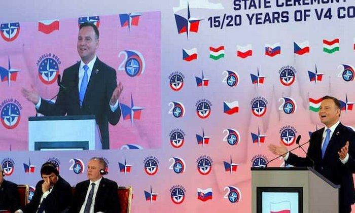 Президент Польши: завтра российские самолёты будут летать над Прагой, а послезавтра — над Берлином