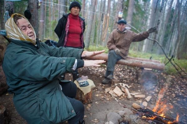 В Карелии пенсионеры уже четыре месяца защищают ценный Сунский лес от вырубки