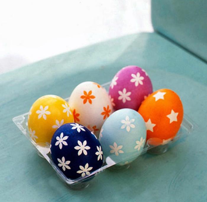 Яйца с простыми рисунками.