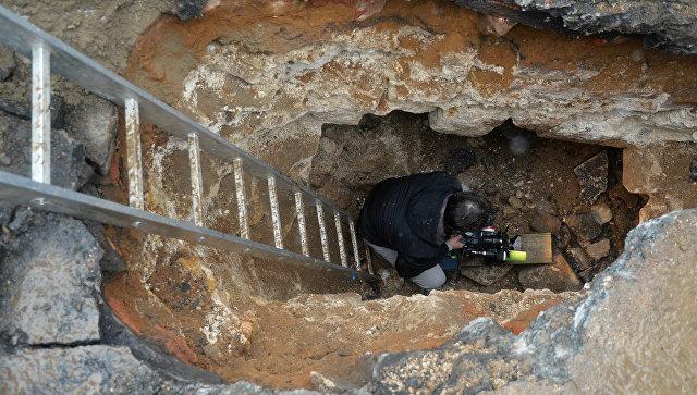 Археологи обнаружили в центре Москвы надгробия XVI века