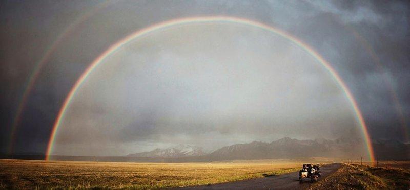 Идеальная радуга, Кыргызстан монголия, мотоцикл, мотоцикл с коляской, мотоцикл урал, путешественники, путешествие, средняя азия, туризм