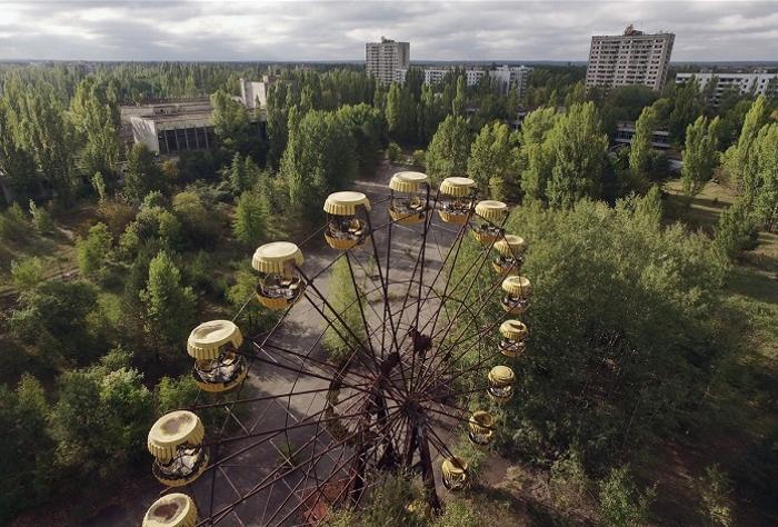 Чернобыль 30 лет спустя. 23 жутких фото, от которых до сих пор на душе возникает тревога.