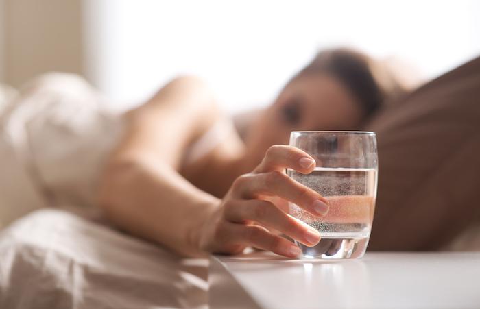 Приятно начинать утро со стакана воды. Но только свежей.