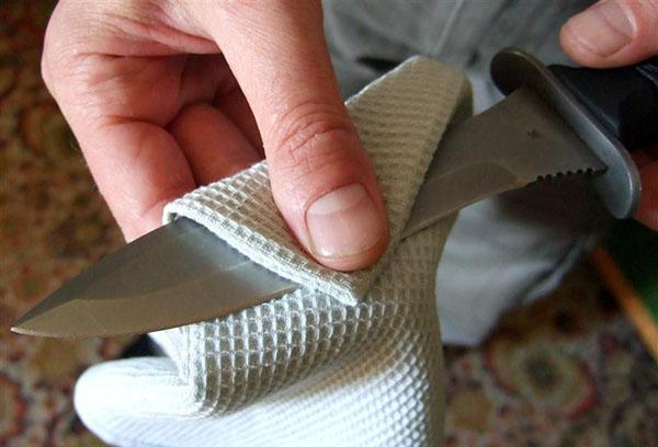 Как самостоятельно убрать ржавчину с ножа?