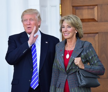 Кандидата в министры образования США обвинили в безграмотности
