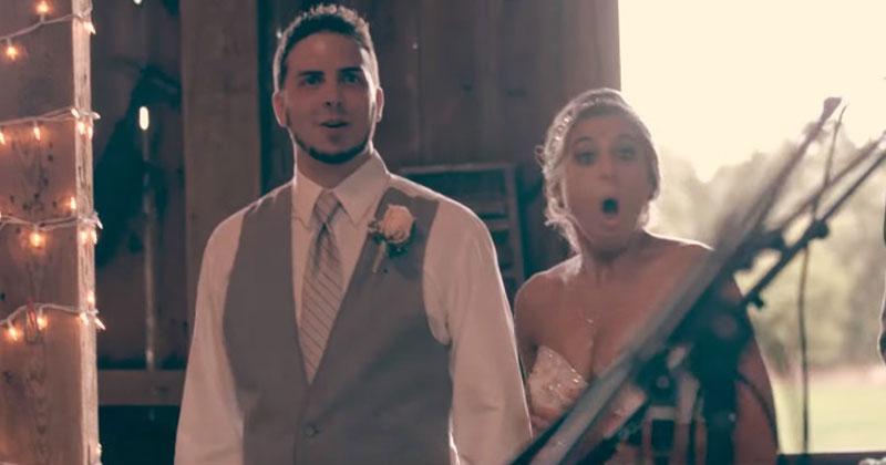 Влюбленные хотели отпраздновать свадьбу тихо и без пышностей. Но когда они вошли в кафе, потеряли дар речи!
