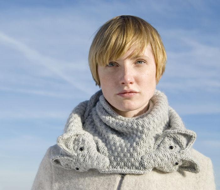 Такой шарф - настоящая находка для неординарной личности