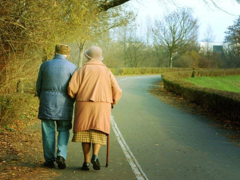 Ученые выяснили, что люди стареют в три этапа