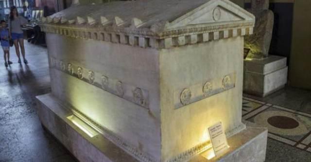 В шахте был найден каменный гроб, которому 800 миллионов лет